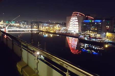 Liffey/Grand Canal Dock - penthouse - 3 bedrooms - Dublin - Byt