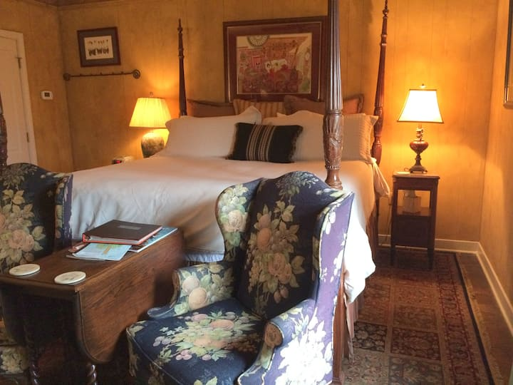 Welch Room - The Stockade Bed & Breakfast