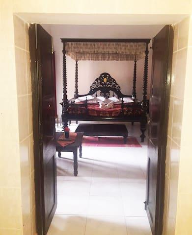 Boro Boudi- Itachuna Rajbari-Heritage property - Hooghly