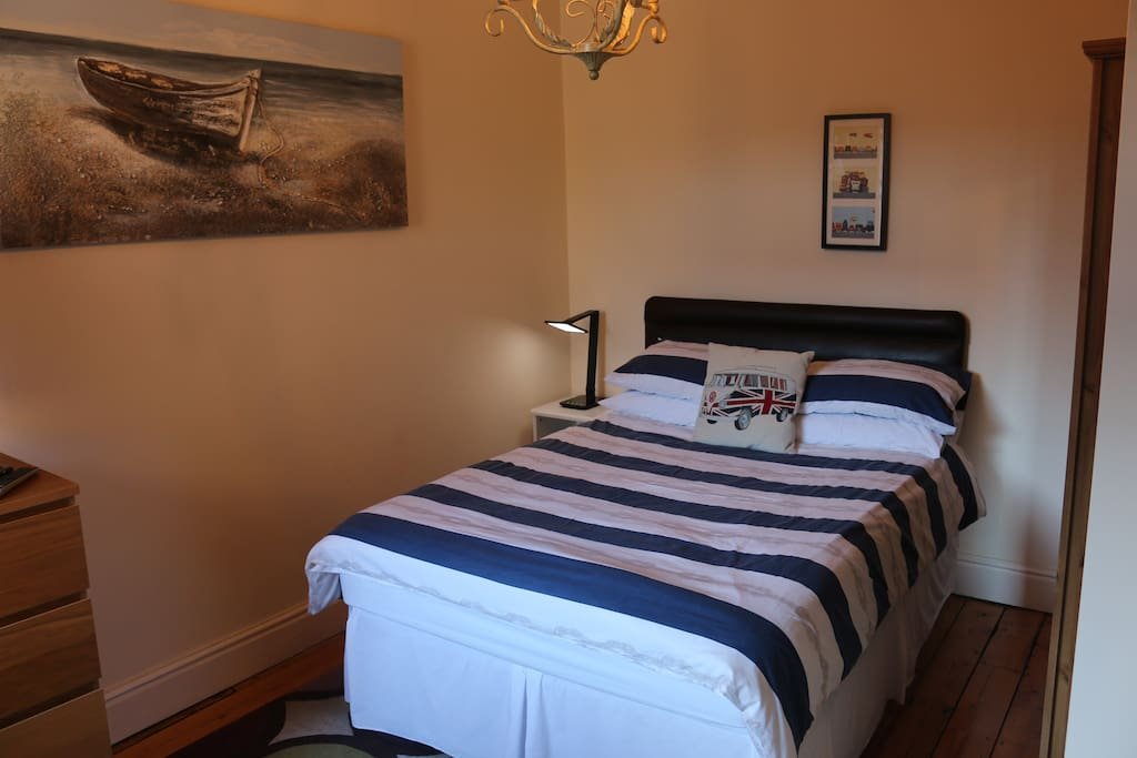 Double Bed In Relaxed House Townhouses For Rent In