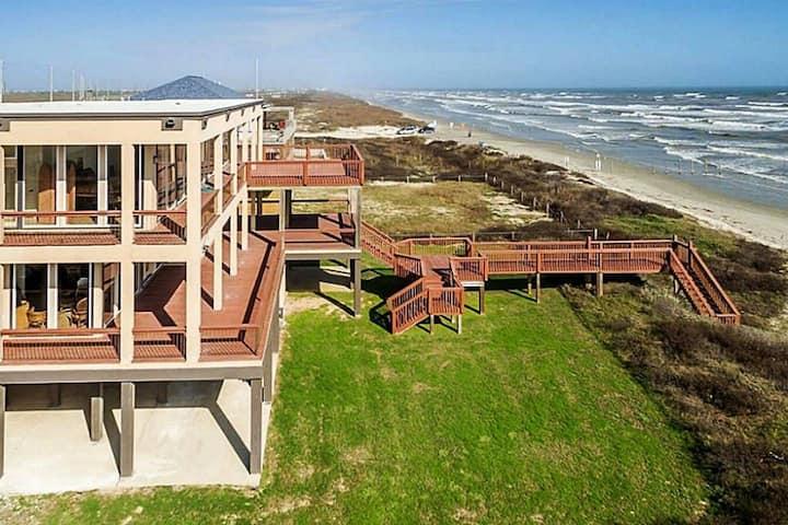 The Estate-Beachfront-Spectacular Views-Sleeps 20+