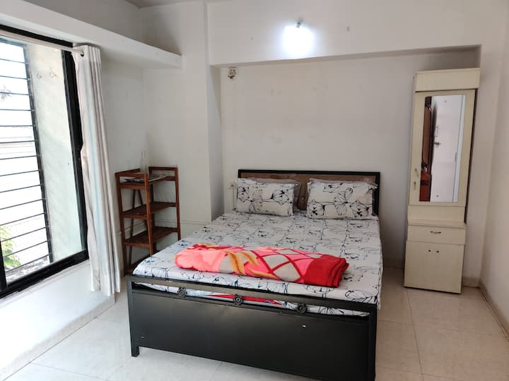 Entire apt with kitchen in Koregoan Park