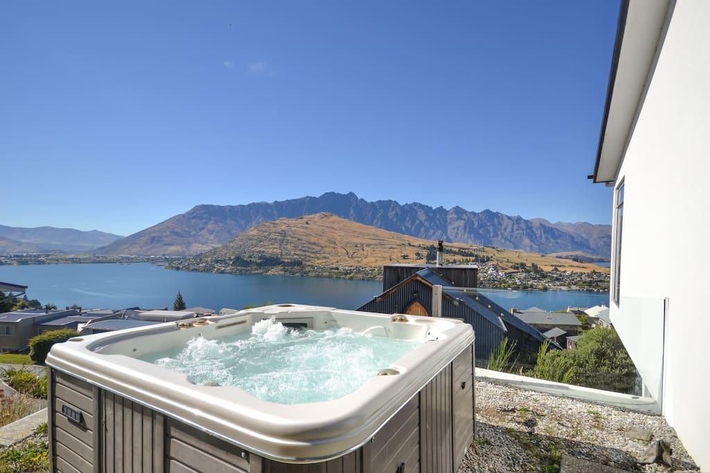 heaven on hensman panoramic lake views maisons louer queenstown otago nouvelle z lande. Black Bedroom Furniture Sets. Home Design Ideas
