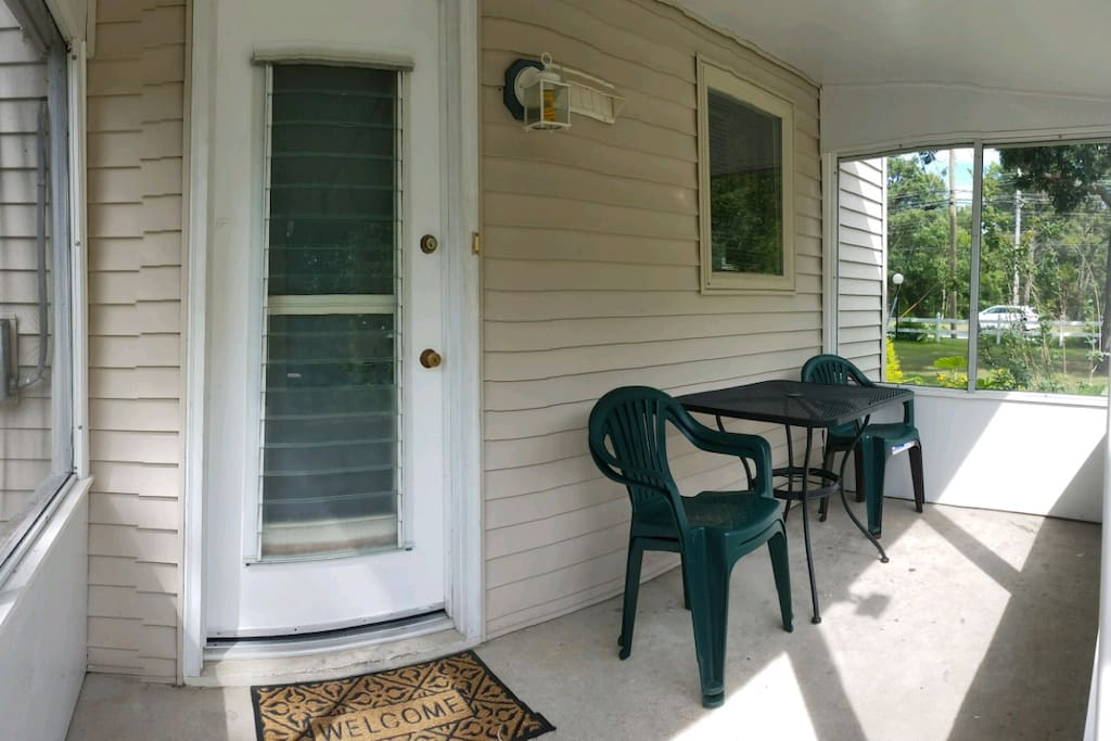 Side entrance with sunroom