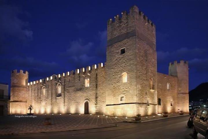 """Appartamento """"Al Castello"""" - Alcamo - Byt"""