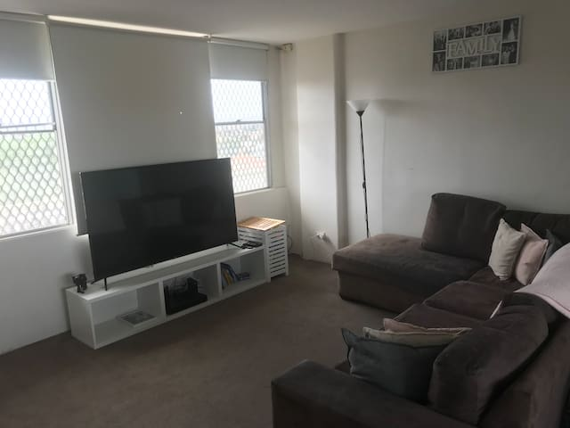 Spacious 1 bedroom apartment for Christmas period