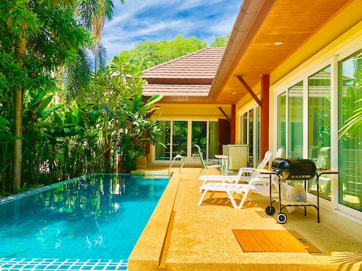 泰如家 Thai Family  北京姐们欢迎您 卡伦3卧泳池别墅 免费接机