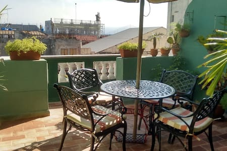 Apartment in historical center. Breakfast included