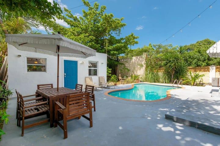 Santorini Pool Cabana - Design District
