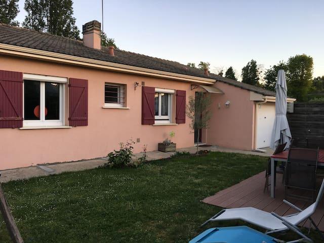Agréable pavillon proche Bordeaux - Carbon-Blanc - House