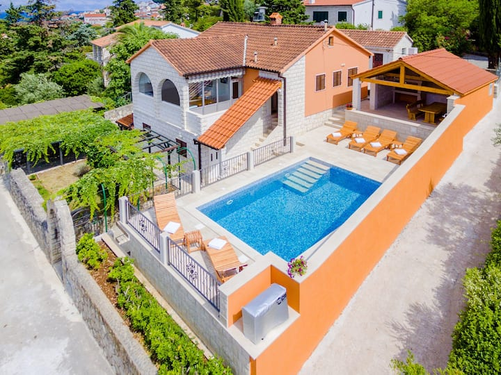 Holiday Home Villa Frančeska - Duplex Holiday Home with Terrace and Sea View