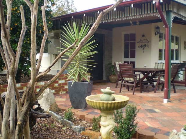 CARINYA COTTAGE - Peaceful Home with Views  :) - Mundaring - Rumah