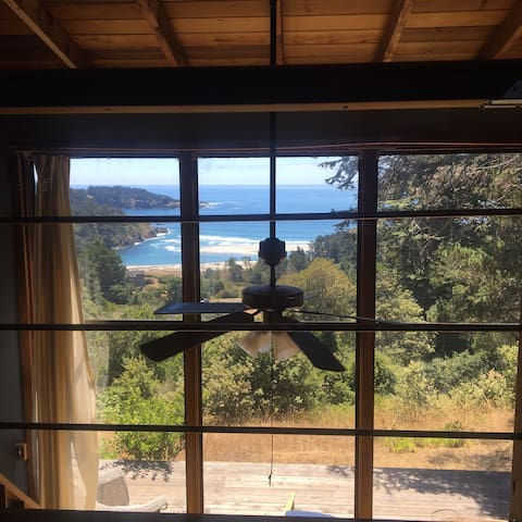 Romantic Loft with Ocean View! ❤️ - Mendocino - Zomerhuis/Cottage