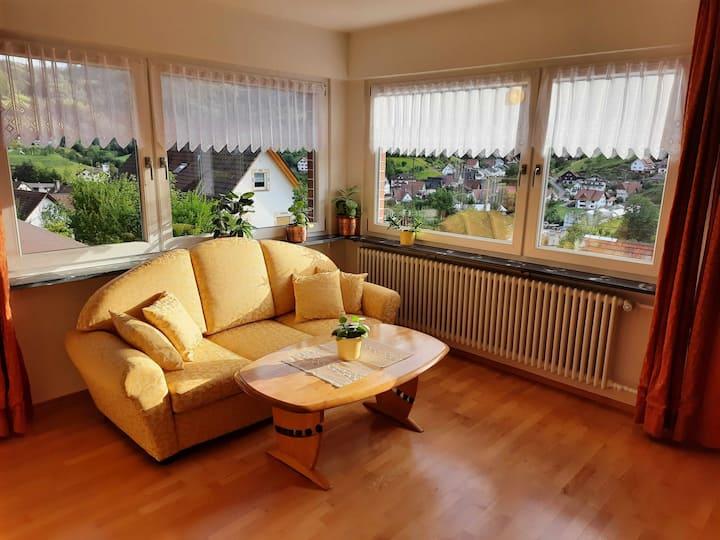 """Haus """"am Schroffen"""", (Ottenhöfen-Furschenbach), Große Ferienwohnung, 80qm, 2 Schlafzimmer, Freisitz, max. 4 Personen"""