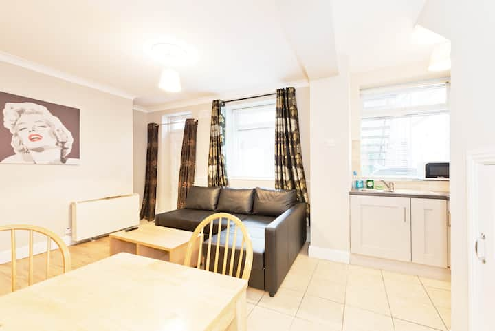 **GREAT LOCATION**OCONNELL STREET**MONTHLY DISCOUNTS