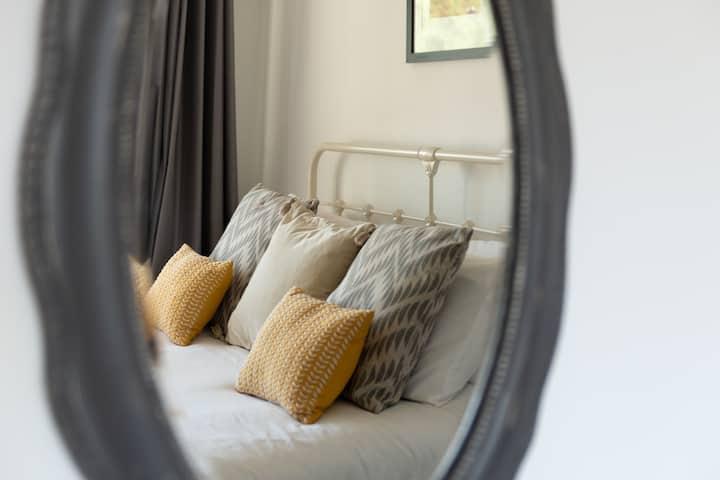 My Way Guest House Bede Room En suite