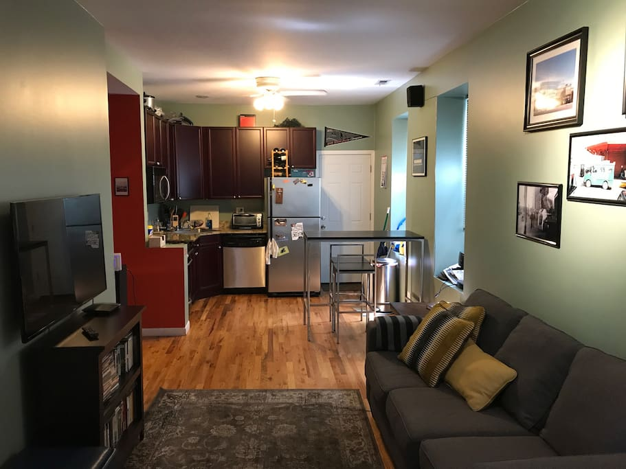 Wicker Park One Bedroom Unit With Patio Apartments For Rent In Chicago Illinois United States