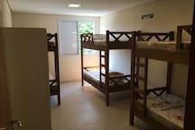 Quarto Misto - 4 camas s/ varanda