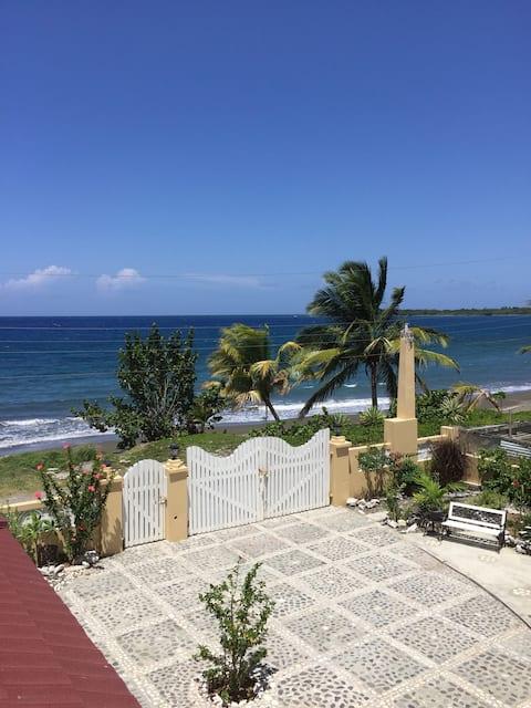 Breezy, Ocean view Two-bedroom Apartment