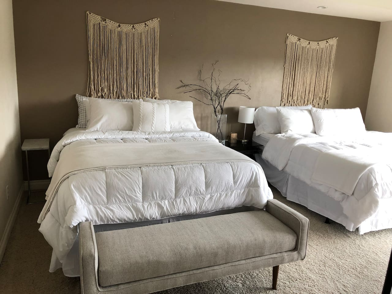 King bed and a queen bed