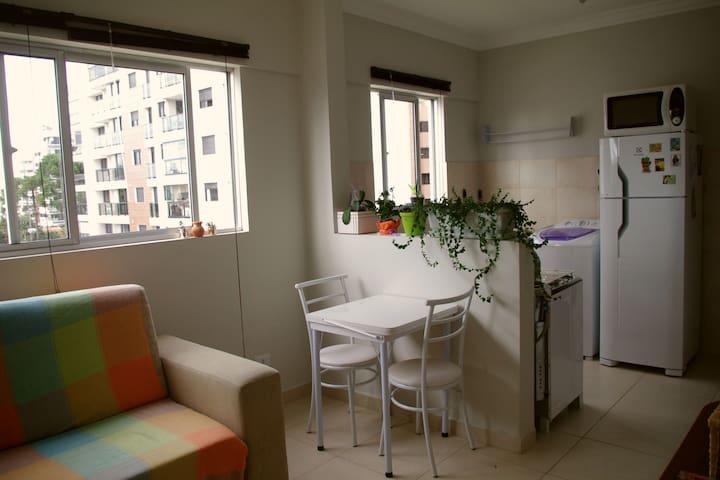 Apartamento confortável de um quarto no Juvevê - Curitiba - Wohnung