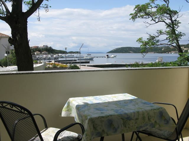 10m from the sea, Apartment 2 (2+1) with seaview - Supetarska Draga - Appartement