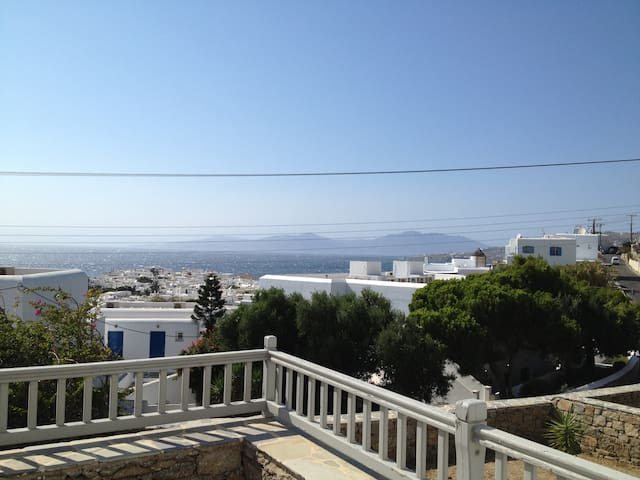 Beautiful Mykonian Apartment With a Great View!!
