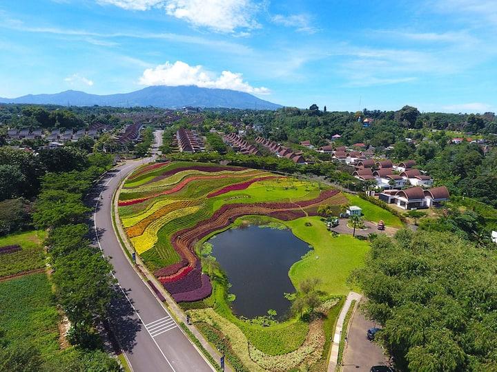 Cozy Villa At Vimala Hills Puncak Bogor