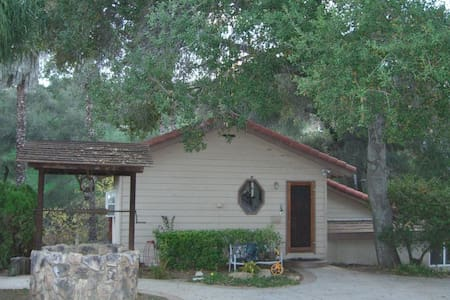 Cozy Cottage - Vendégház