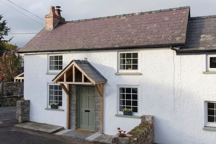 4* Graded Cottage - a perfect getaway & location - Powys