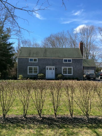Hampton village traditional close to bay and ocean - 東奎古厄(East Quogue) - 獨棟