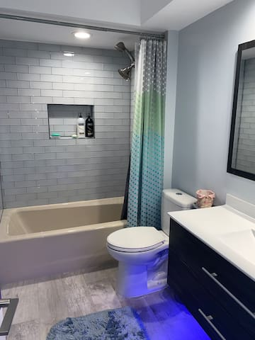 Private room with detached bathroom