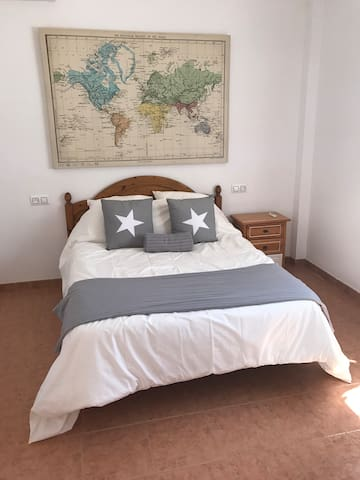 B&B in pretty Spanish village with swimming pool - Íllora - Hus