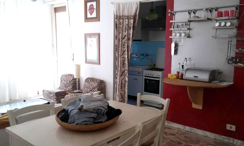Quirky Cosy Central Acqui Terme Apartment  - Acqui Terme - Lägenhet