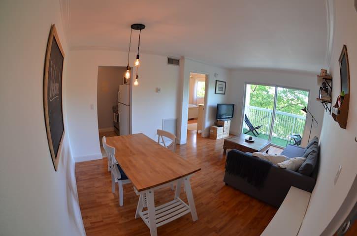 Charming & Stylish Coconut Grove Apartment