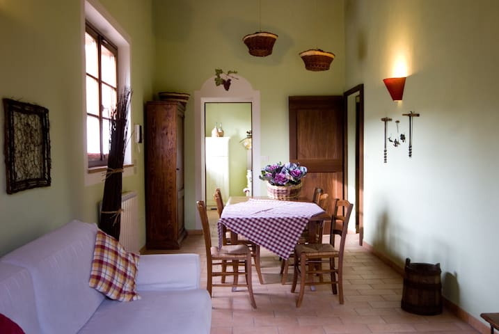 Grape Apartment, 7 km from Perugia