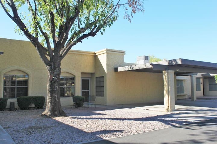 55+ Condo in Valley of the Sun's East Valley - Mesa