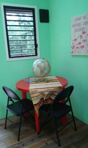 Tiny House in Forest 3 - Belmopan - Huis