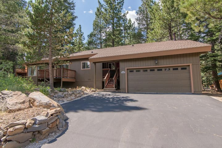 Cozy & fun home in the woods.  Great for families.