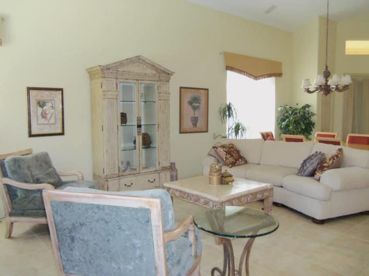 20440 Rookery Dr, Estero -Gorgeous house for rent!