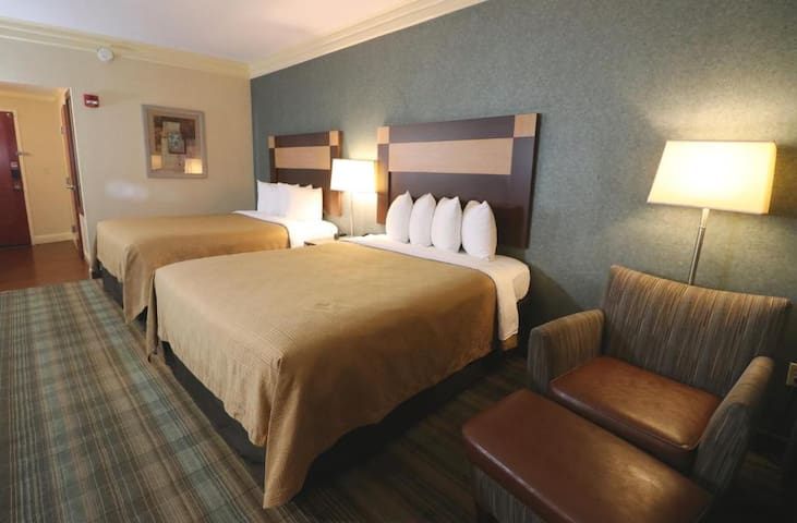 Heavenly Double Two Double Beds At Pigeon Forge