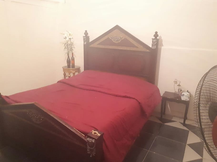 2 person 1 bed pool view room
