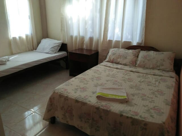 Private Room for 3 people - Coron  - House