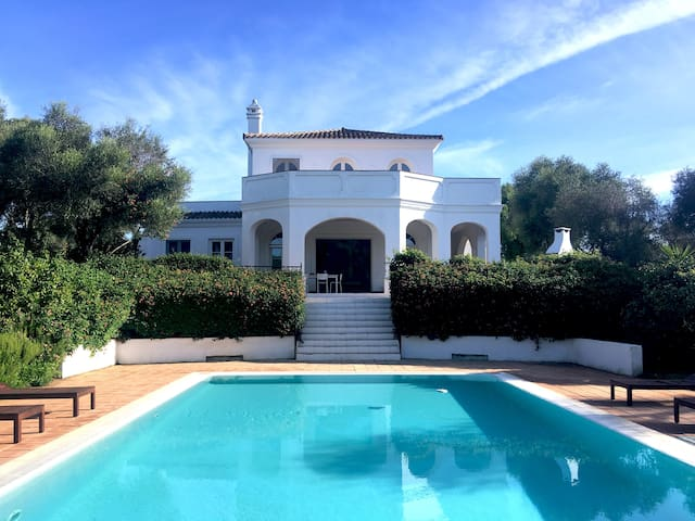 Spacious Villa for 12 with private pool & Garden
