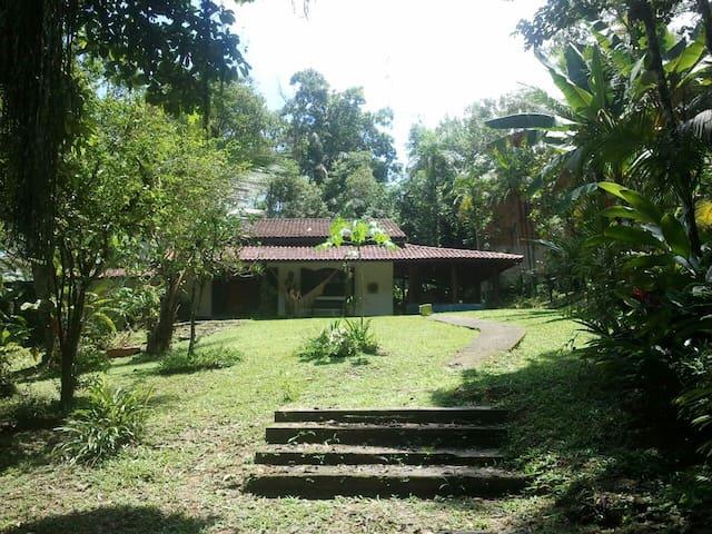 Casa em Camburi- São Sebastião/SP