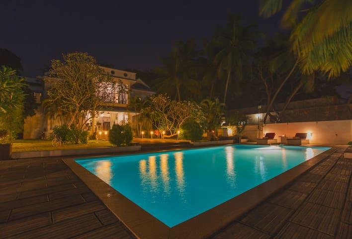 Blu Grass 7 Bedroom holiday villa near Calangute