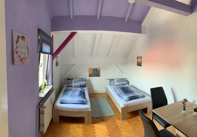 Isener Idyll - WG Zimmer + Garten u. Dachterrasse