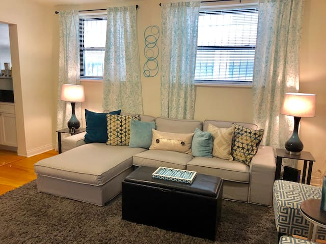 East Lakeview/Boystown Experience: Master Bedroom!