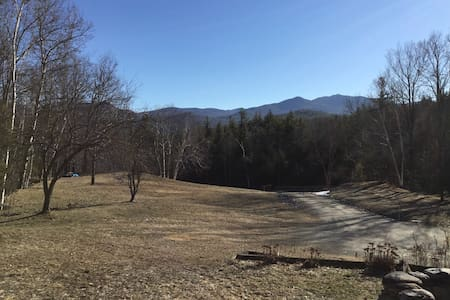 Bessie's Cabin with a View - Keene - Casa