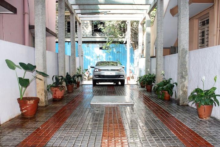 Deluxe Suite in Vasanth Nagar
